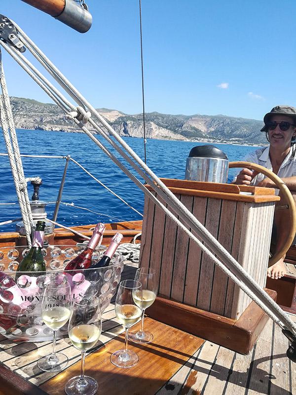 cata montesquius mar mediterraneo